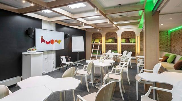 meeting room in HUONE Kamppi